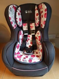 Childs car seat with safety alarm very good condition.