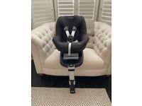 Maxi-Cosi Pearl Car Seat and Isofix Base