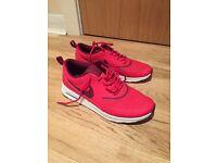 Women's Nike trainers size 4.5