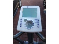 DOMYOS VE 530 CROSS TRAINER - As Good As New