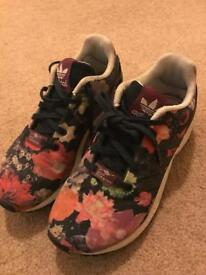 Funky girls Adidas Torsion trainers barely worn UK 2