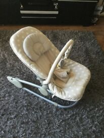 MAMAS AND PAPAS baby bouncer reclines vibrates tunes