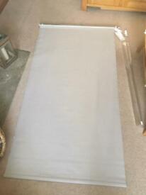 Light grey roller blind - B&Q - unused - 160cm (L) x 90cm (W)