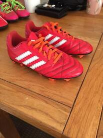 Boys/girls football boots adidas moulders size 4