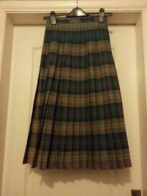 Reversable wool pleated skirt