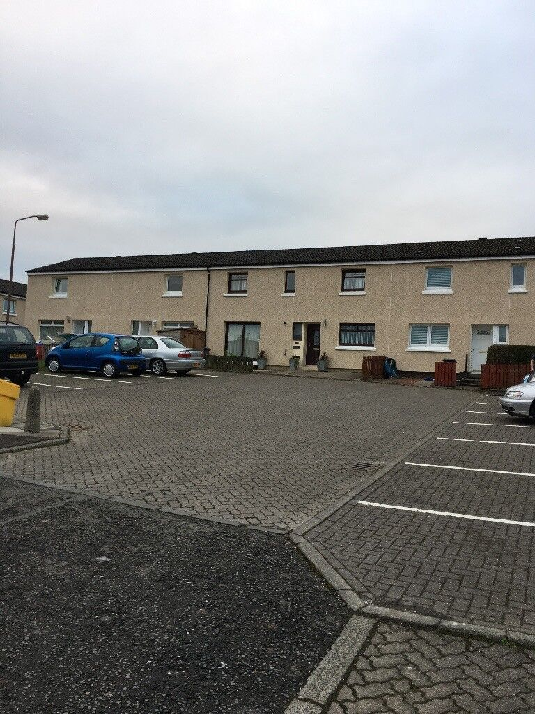 LARGE 2 BED + Boxroom HOUSE AVAILABLE 25 October