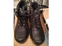 Steel toe cap boots brand new size 7 black.