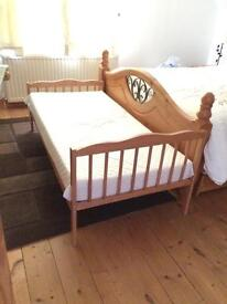 Pine toddler bed