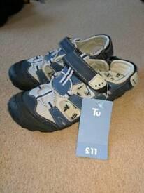 Shoes size 13