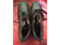 MENS ARCO SAFETY BOOTS SIZE 10