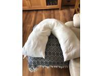 """V"" Back Support/ Breastfeeding Pillow"