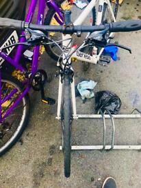 Quit sale suth Croydon genesis hybrid bike for sale or swap only iPhone 6s