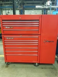 Snap-on tool box with locker in excellent condition