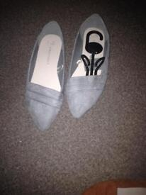 Size 5 ladies shoes new tags