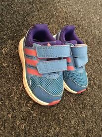 Addidas girls trainers toddler size 4