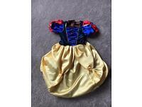 Dressing up Snow White dress