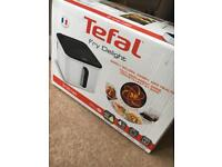 Tefal Fry Delight initial air fryer brand new boxed 800g Fx 10 A1