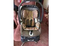 Mamas and papas primo viaggio car seat- includes a detachable base