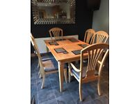 Extentable Dining table and 6 chairs