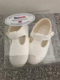 White baypods never been worn 18-24 months
