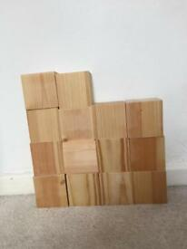 14x wooden blocks 7x7cm