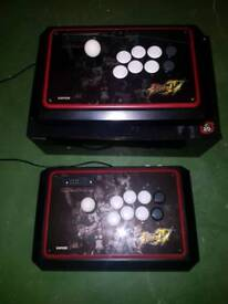 2x Mad Catz SF4 Round2 fightsticks for PC and PS3