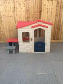Little Tykes picinic on the patio playhouse