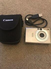 Canon IXUS 60 Digital Camera, bag & battery charger