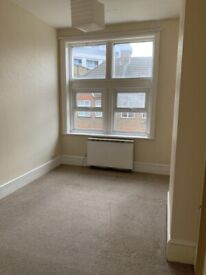 2 Bed river view flat in Woolwich, £265pw excl.