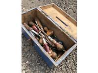 BOX OF VINTAGE SCREWDRIVERS