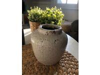 Ceramic plant vase