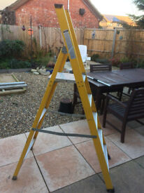 Step Ladder 5 Tred heavy duty (Electrical Use)