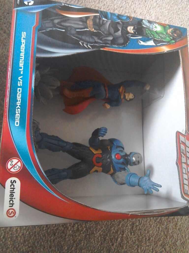Schleich superman and darkseid bnib
