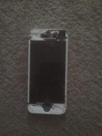iPhone 5S (broken screen) part so/spares)