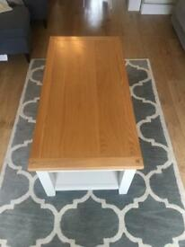 Light Oak Coffee Table in Great Condition