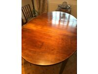 Mahogany Dining Room Table and 6 matching Chairs