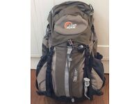 Lowe Alpine Airzone Men's backpack in excellent condition