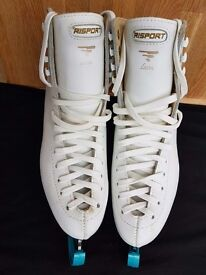 Ladies Ice Figure Skating Boots size 39 (6) - Excellent Condition!