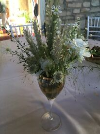 Selection of 2 vases & 2 wine glasses. Used as wedding decor