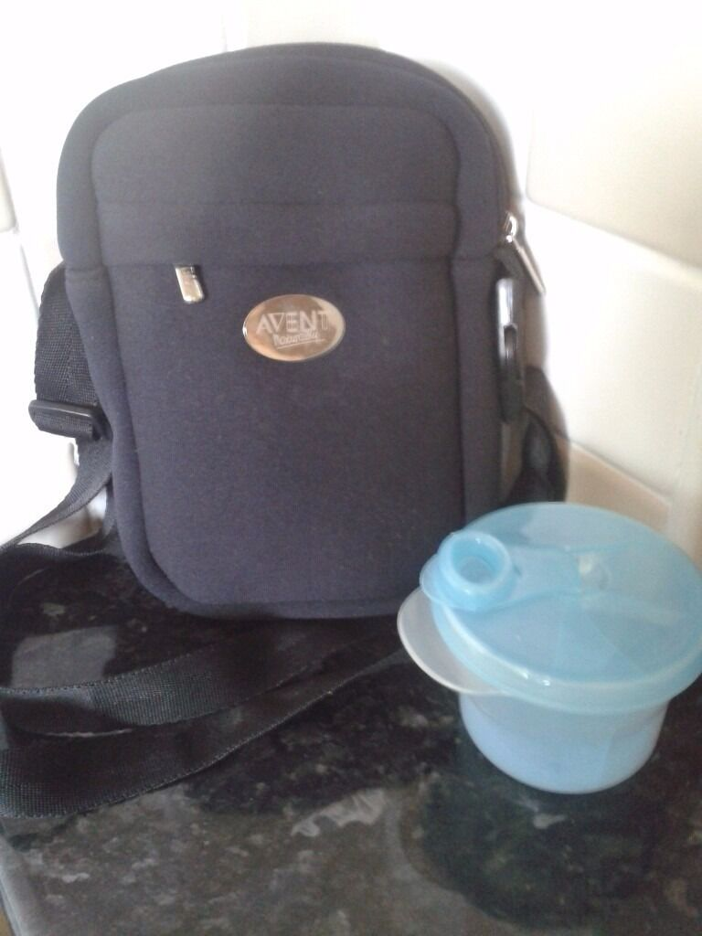 Avent Insulated BottleFood bag and formula dispenserin SomersetGumtree - Avent black Insulated bag with carry strap. Keeps food and drinks warm / cool. Very useful! Avent Multi compartment formula dispenser tub. Both in good condition. Thanks for looking!