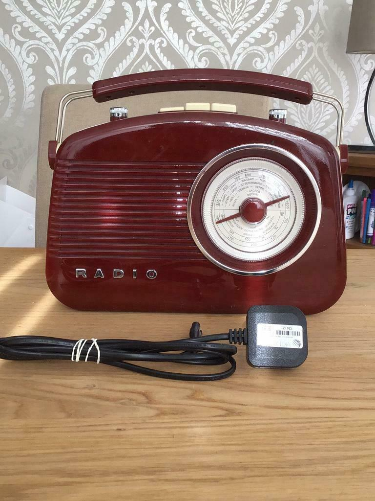 VINTAGE LOOKING MODERN RADIO  in Doncaster, South Yorkshire  Gumtree