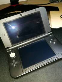 Nintendo 3DS XL with Pokemon Sun
