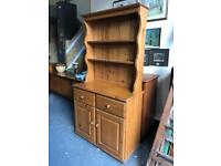 Beautiful solid pine kitchen dresser in lovely condition