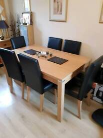 Dining table with x6 chairs