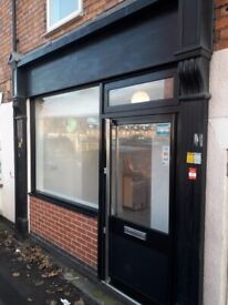 Shop for rent ~~Available Immediately~~** STRAIGHT OPPOSITE DEFERRERS ACADEMY**