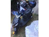 Piaggio fly 125cc moped scooter vespa liberty zip honda