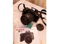 Pentax z10 camera 28 to 80mm lens perfect condition