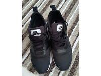 Mens Nike tavas trainers