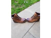 Mens timberland boots for sale size 8 tan brown.