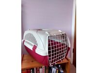 Pet/cat/small dog carrier